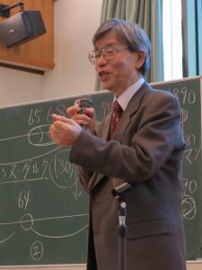 講演中の本井康博先生
